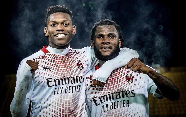 Rafael Leao e Franck Kessié, protagonisti della vittoria del Milan sul Benevento (Profilo social Milan)