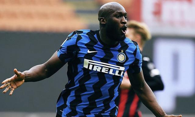 Romelu Lukaku esulta in Milan-Inter 0-3 (Profilo social Inter)