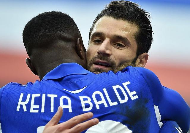 Keita Balde e Antonio Candreva esultano in Sampdoria-Inter 2-1 (Profilo social Sampdoria)