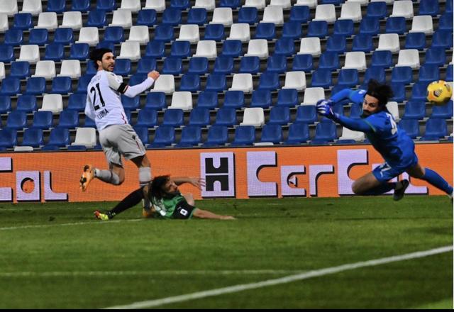 Roberto Soriano nel momento del gol al Sassuolo (ph. Instagram Bologna Fc)