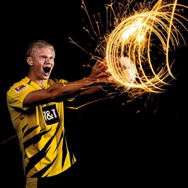 Haaland (ph social Borussia Dortmund)