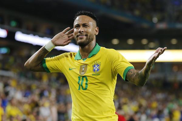 Neymar (ph Zimbio)