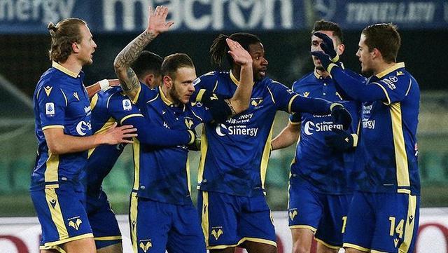 I ragazzi di Ivan Juric esultano in Verona-Parma 2-1 (Profilo social Hellas Verona)