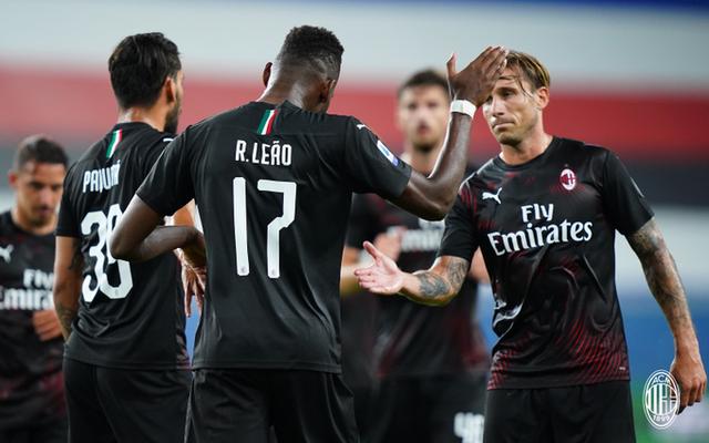Rafael Leao esulta dopo il gol alla Samp (ph. Twitter Ac Milan Official)