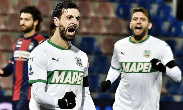 Francesco Caputo esulta in Crotone-Sassuolo 1-2 (Profilo social Sassuolo)