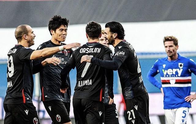 I ragazzi di Sinisa Mihajlovic esultano in Sampdoria-Bologna 1-2 (Profilo social Riccardo Orsolini)