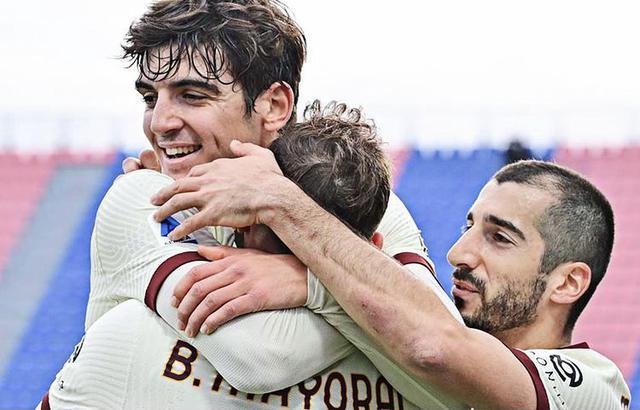 La Roma piega il Crotone 3-1 (Profilo social AS Roma)