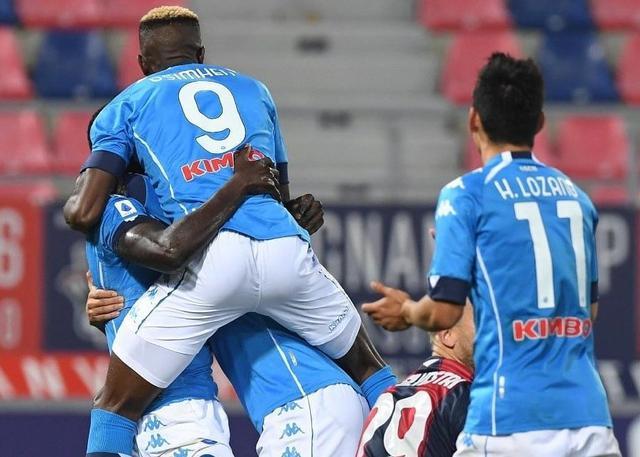 I giocatori del Napoli festeggiano (ph. Twitter Official SSC Napoli)