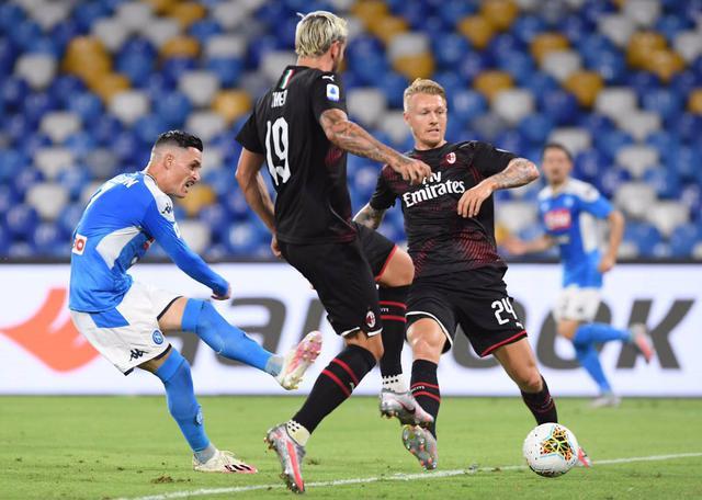 Callejon in azione contro il Milan (ph Twitter SSC Napoli Official)