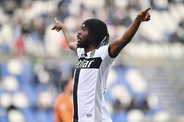Gervinho esulta dopo aver segnato un gol con la maglia del Parma (Profilo social giocatore)