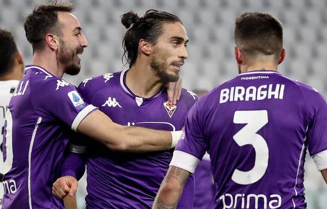 Martin Caceres e co. esultano in Juventus-Fiorentina 0-3 (Profilo social ACF Fiorentina)