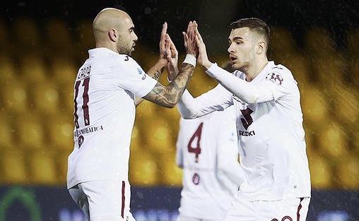 Simone Zaza esulta in Benevento-Torino 2-2 (Profilo social Torino)