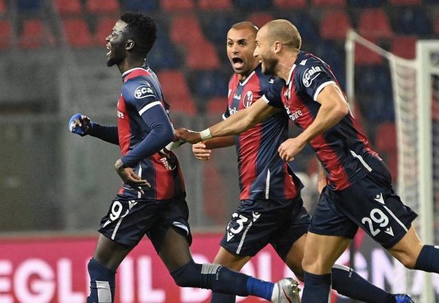 Musa Barrow esulta in Bologna-Cagliari 3-2 (Profilo social Bologna)