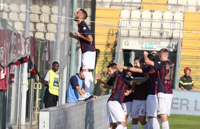 L'esultanza di Scappini dopo il gol decisivo segnato al Modena