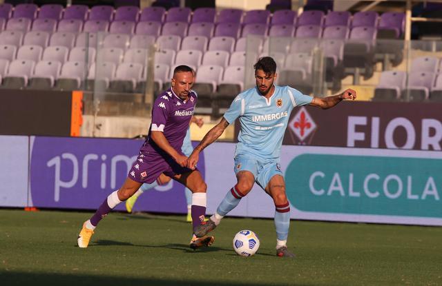 Di Gennaro in azione contro la Fiorentina