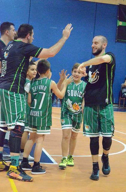 Ingresso giocatori Settimo Basket