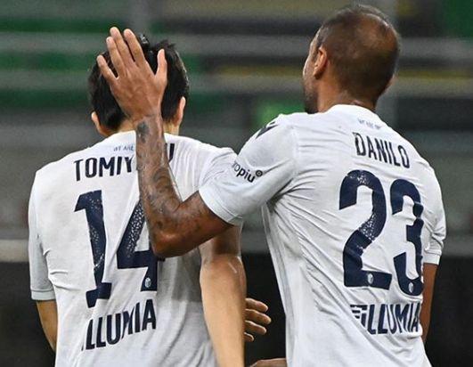 Tomiyasu e Danilo (Social)
