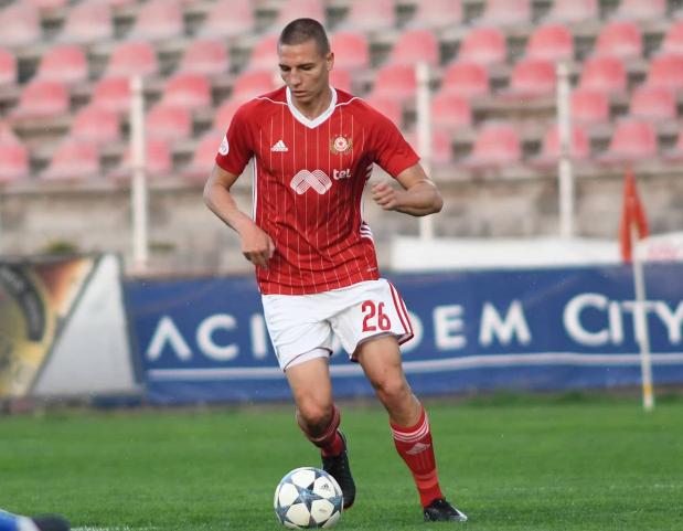 Valentin Antov (Social)