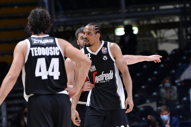 Hunter, Markovic e Teodosic (Foto Virtus Segafredo Bologna)
