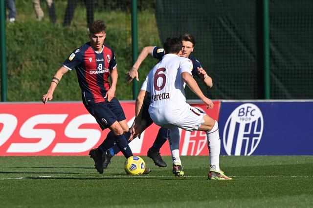Andrea Viviani, in azione oggi contro il Torino (Foto: Bologna Fc)