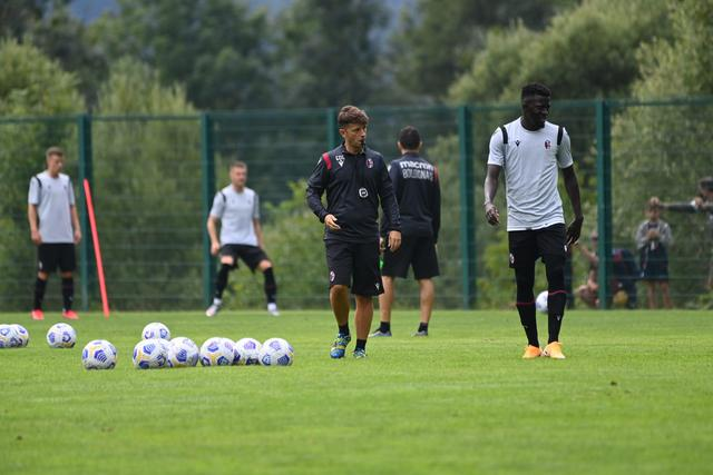 Primo allenamento a Pinzolo (ph. bolognafc.it)