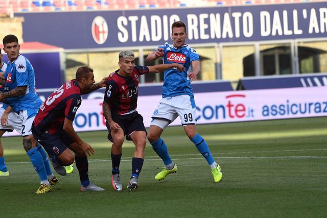 Nicolas Dominguez in azione contro il Napoli (ph. bolognafc.it)