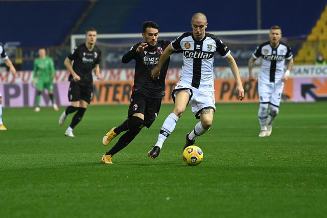 Nicola Sansone in azione contro il Parma (ph. bolognafc.it)