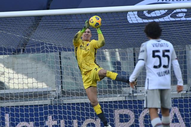 Lukasz Skorupski contro la Juventus (ph. bolognafc.it)