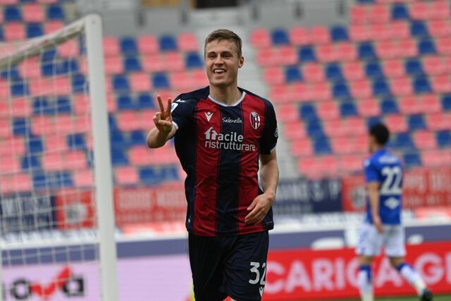 Mattias Svanberg esulta dopo la rete alla Sampdoria (ph. bolognafc.it)