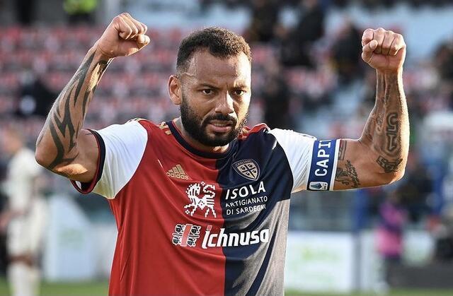 Joao Pedro esulta in Cagliari-Roma 3-2 (Profilo social Cagliari)